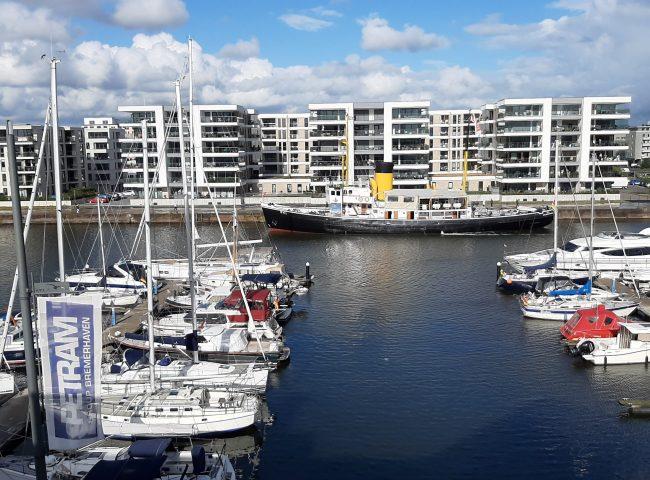 """""""Port Marina 26"""" Ansicht vom Yachthafen aus"""
